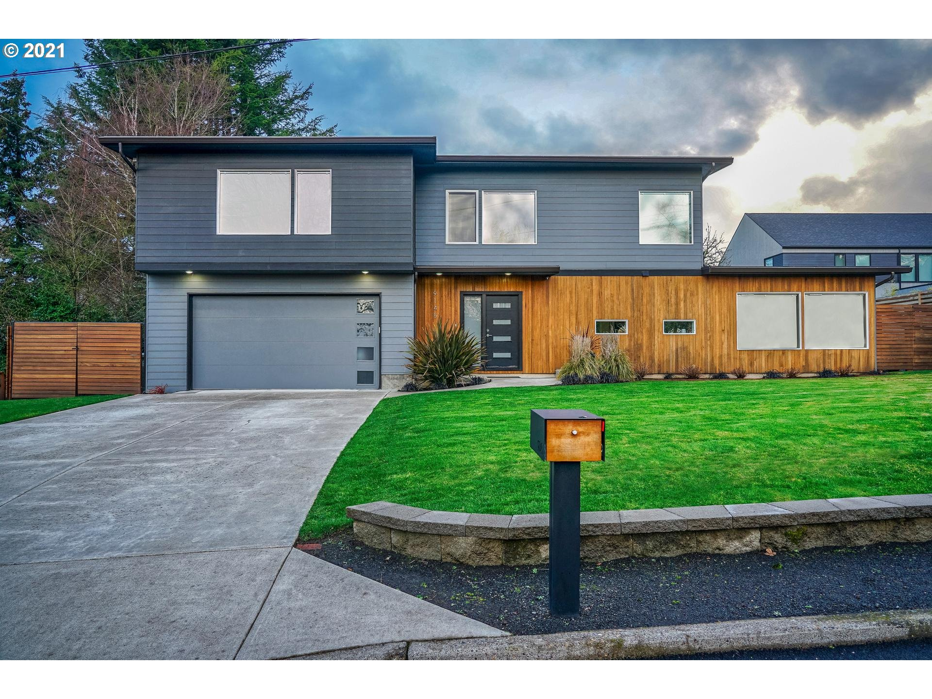 9145 NW LOVEJOY ST, Portland, OR 97229