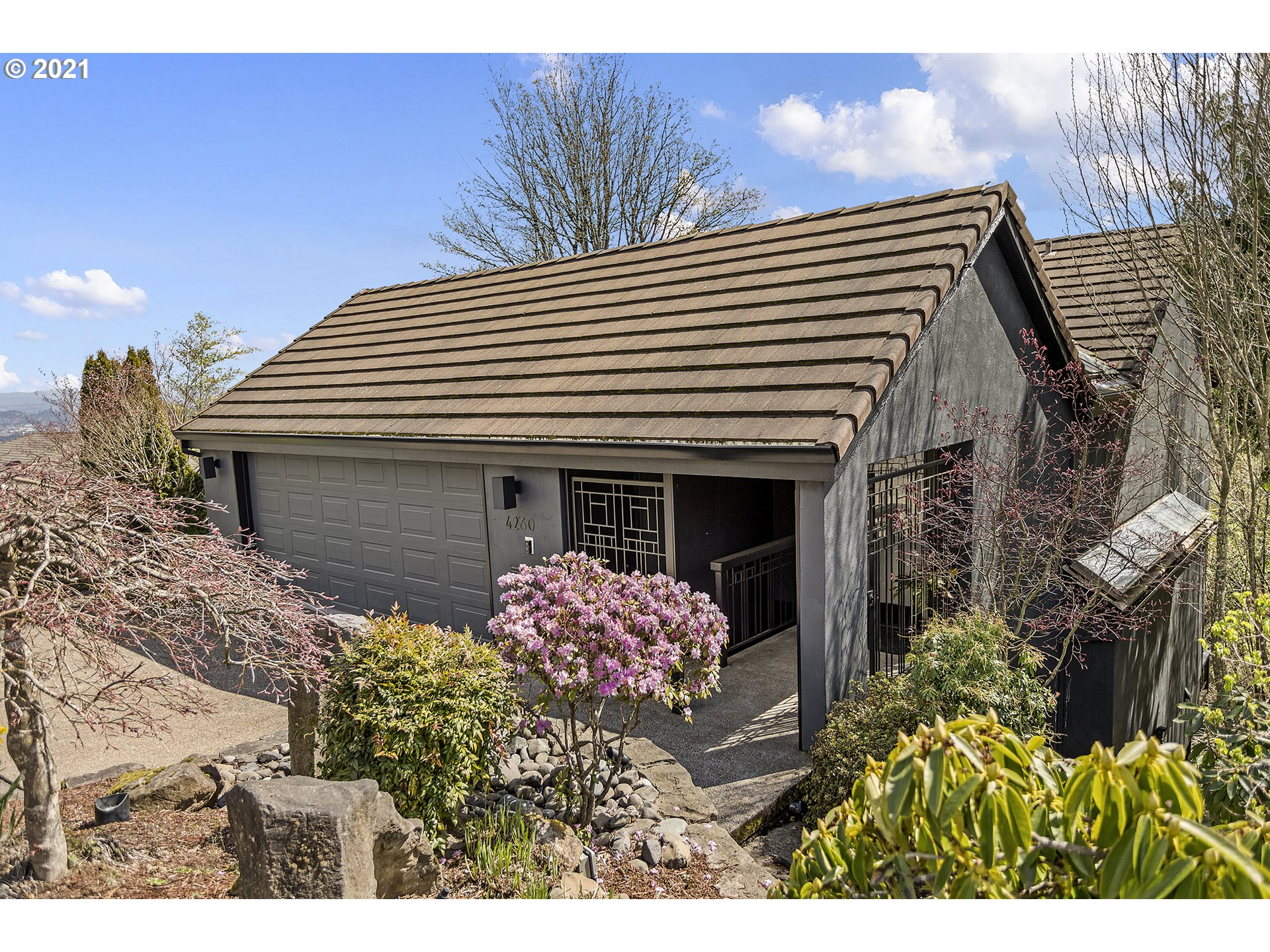 4260 SW MCDONNELL TER, Portland, OR  97239
