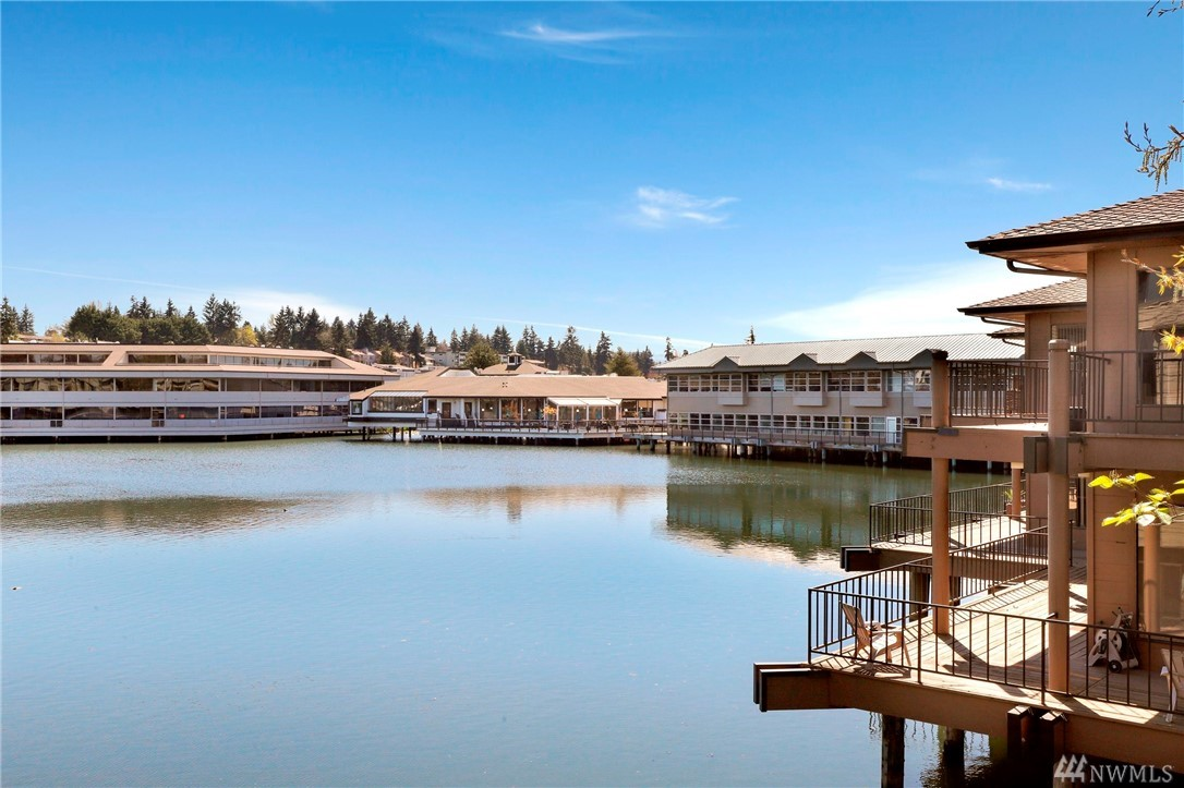 7 Lake Bellevue Dr Unit 212, Bellevue, WA 98005