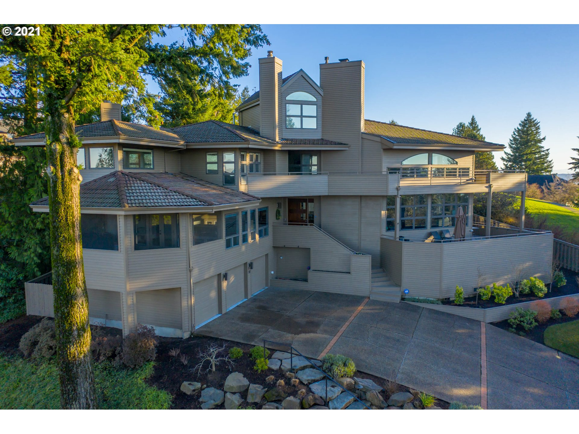 72 NANSEN SMT, Lake Oswego, OR 97035