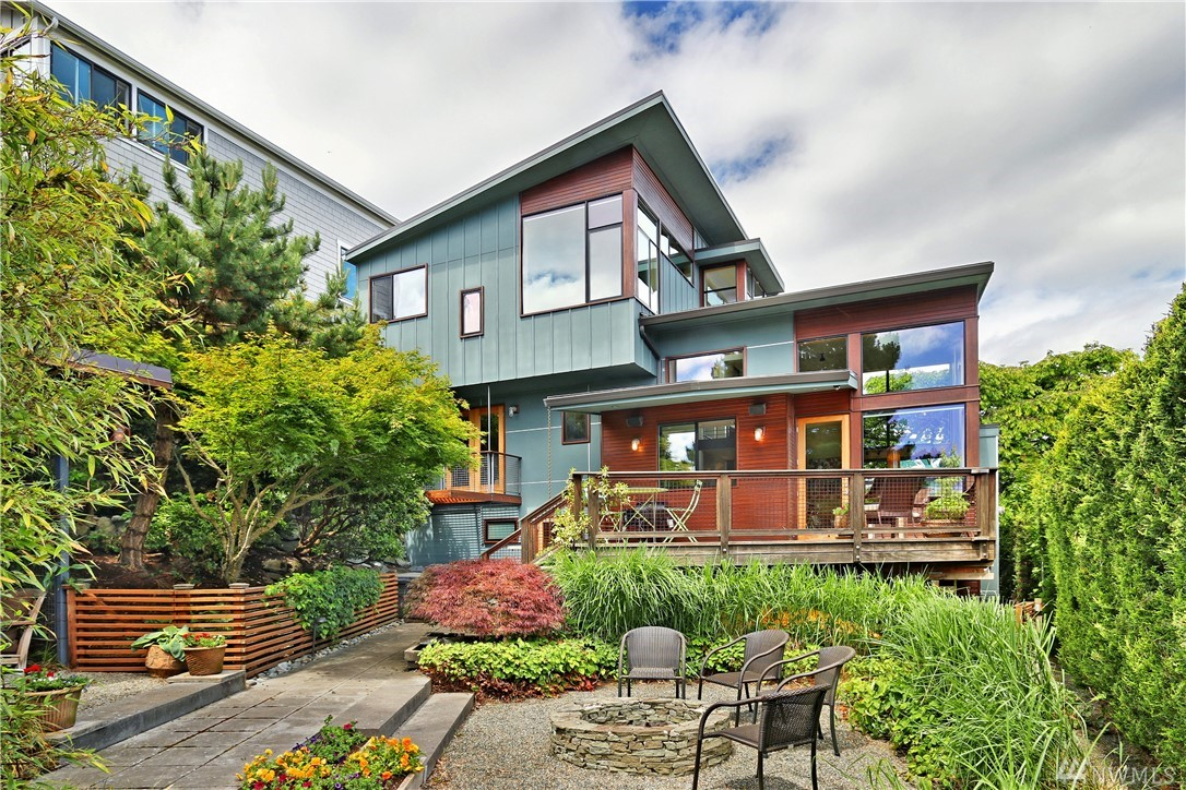 3611 W Barrett St , Seattle, WA  98199
